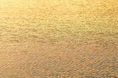Fusée de Sun sur le fond de l'eau Images stock