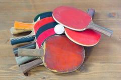 Fusées colorées, dispersées sur une table Images libres de droits