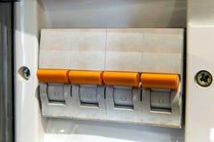 Fuseboard de la distribución de Electical Fuentes eléctricas Electrica fotos de archivo libres de regalías