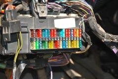 Fusebox mit Verbindungsdrähten Stockbild