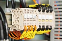 Fuseboxes et commutateurs électriques de lignes électriques Image libre de droits