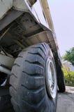 Fuselage et pneu de chargeur de construction Photos libres de droits