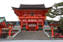 Fushimi Inari relikskrin, en viktig Shintorelikskrin, i sydlig Ky arkivbild