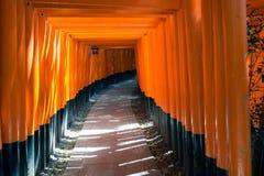 Fushimi Inari relikskrin i Kyoto Arkivfoto