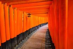 Fushimi Inari relikskrin i Kyoto, Japan Royaltyfri Foto