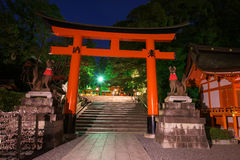 Fushimi Inari Taisha głowy świątynia przy zmierzchem Zdjęcia Stock
