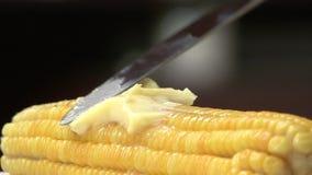 Fusión del maíz dulce y de la mantequilla almacen de metraje de vídeo