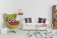 Fusie van stijlen en patronen in een eigentijds binnenland Stock Foto
