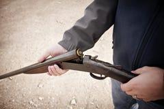 Fusil de chasse chargé Image stock