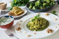 Fusilli Mittagessen des strengen Vegetariers stockfotografie