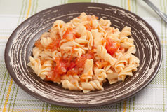 Fusilli pasta with tomato sauce Royalty Free Stock Images