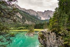 Fusine jeziora w Juliańskich Alps blisko granicy Włochy i Slovenia, zdjęcia royalty free