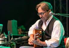 Fusion américaine de jazz et exécution latine d'Al Di Meola de guitariste de jazz vivantes chez Nisville Jazz Festival, le 11 aoû Images libres de droits