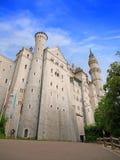 FUSSEN TYSKLAND - Juli 22, 2016: Neuschwanstein slott arkivfoton