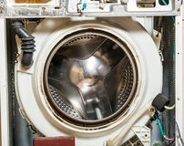 Fusto di vecchia rondella della lavanderia Immagine Stock