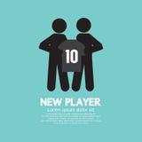 Futbol, gracz piłki nożnej Pokazuje koszula Z Drużynowym kierownikiem/ Obrazy Stock