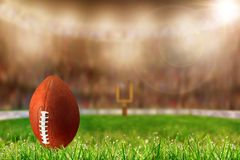 Futbol na trawie Przygotowywającej Dla bramki lub Kopie Daleko obraz stock