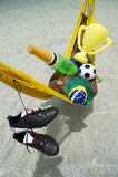 Futbolista brasileño del campeón que celebra con Champán y el trofeo Fotografía de archivo