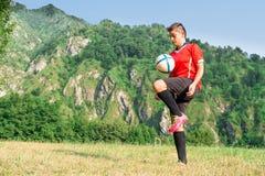 Futbolista de la mujer Foto de archivo libre de regalías