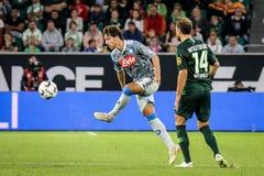 Futbolista Simone Verdi w akci fotografia stock