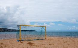 Futbolowy cel na plaży Fotografia Royalty Free