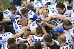 Futbolu Amerykańskiego dopasowanie Między wilkami I Błękitnym smokiem Obrazy Stock