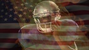 Futbolu amerykańskiego gracza czekanie z pożarniczą animacją i flaga amerykańska na tle