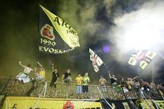 Futbolu dopasowanie między Aris i Boca Juniorami obrazy stock
