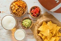 Futbolu partyjny jedzenie, super bowl dzień, nachos salsa guacamole Obraz Royalty Free