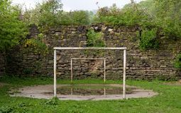 Futebol abandonado Imagens de Stock Royalty Free
