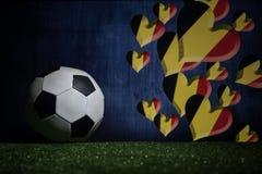 Futebol 2018 Conceito creativo Esfera de futebol na grama verde Conceito da equipe de Bélgica do apoio Fotografia de Stock