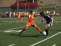 Futebol da faculdade das mulheres Imagens de Stock Royalty Free