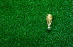 Futebol da imagem da opinião de tampo da mesa ou conceito aéreo do fundo da temporada de futebol Foto de Stock