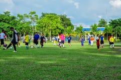 Futebol de bandeira, futebol americano - esporte, campo de futebol americano imagem de stock