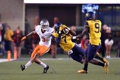 2015 futebol do NCAA - estado de Oklahoma em West Virginia Imagens de Stock Royalty Free
