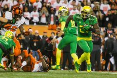 Futebol do NCAA - Oregon no estado de Oregon Fotografia de Stock Royalty Free