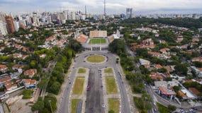 Futebol em todo o mundo, Sao Paulo Brazil do estádio de Pacaembu imagens de stock royalty free