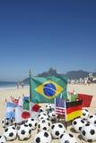 Futebol internacional Team Flags Footballs Rio de janeiro Brasil Imagem de Stock