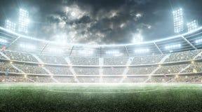 futebol stadium Arena de esporte profissional Estádio da noite sob a lua com luzes, fãs e bandeiras Fundo imagens de stock