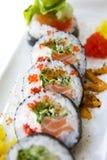 Futomaki de sushi de plat photos stock