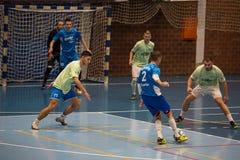 Futsals-Spieler in der Sporthalle Stockbild