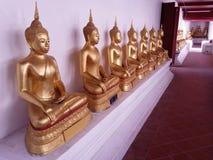 Futter von Buddha-Statue in Wat Yai Suvannaram Stockbilder