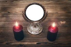Future lecture Cadre d'or de photo de miroir avec le spaceÑŽ de copie Photographie stock