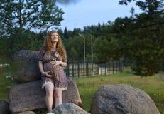 Future maman rousse Images libres de droits