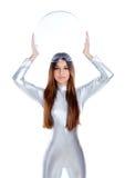 futuristic glass kvinna för hjälmholdingsilver Royaltyfria Foton