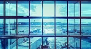 Futuristisch blauw beeld van een luchthaven Stock Fotografie