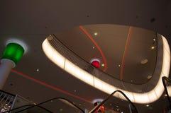 Futuristisch winkelcentrum in Frankfurt stock foto's