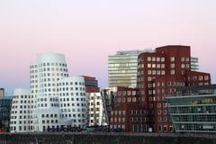 Futuristische gebouwen in Dusseldorf, Duitsland Stock Foto