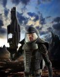 Futuristische militair in spacesuit Stock Afbeeldingen