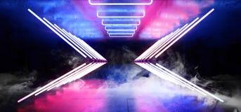 Futuristische moderne Retro- glühende purpurrote NeonBlaulichter Rauch-Dreieck Leuchtstoffcyber Sci FI im dunklen leeren Schmutz stock abbildung